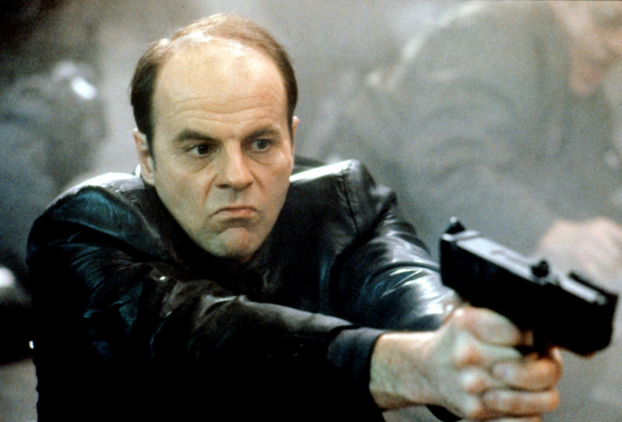 michael ironside height